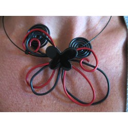 Collier butterfly rouge et noir
