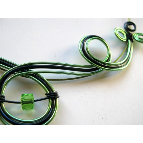 Collier vert et noir