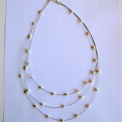 Collier triple rangs perles nacrées