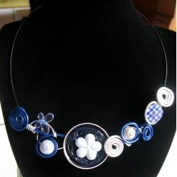 Collier capsule bleu marine