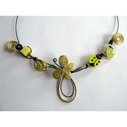Collier papillon jaune