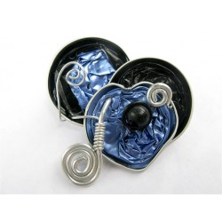 Broche coeur bleue et noire