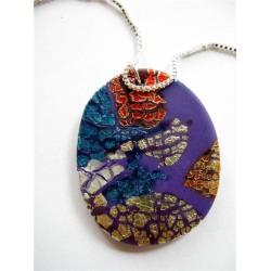 Collier avec pendentif multicolore