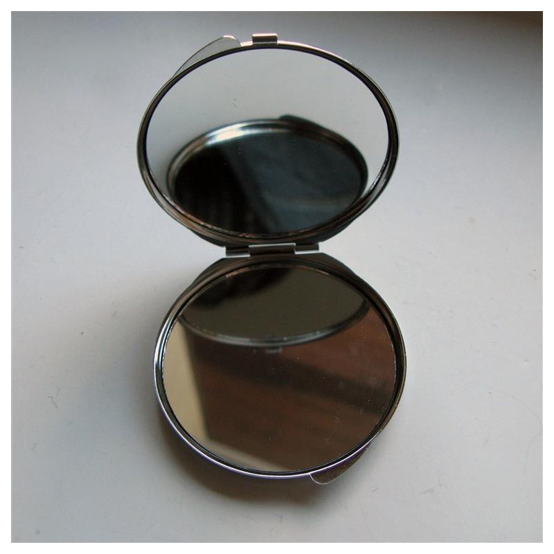 miroir de poche fillette coeur cr ations de claire. Black Bedroom Furniture Sets. Home Design Ideas