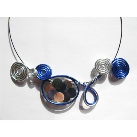Collier perle résine handmade bleu marine et argent