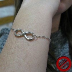 "Bracelet ""infini argenté "" (Attention produit non artisanal)"
