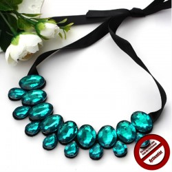 Collier perles turquoise ruban noir (Attention produit non artisanal)