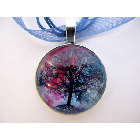 Collier avec pendentif cabochon arbre 14