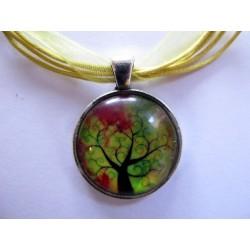 Collier avec pendentif cabochon arbre 25
