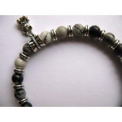 Bracelet en pierres fines (agate) et breloque nounours