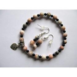 Bracelet en pierres fines (agate) avec breloque coeur