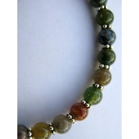 Bracelet en pierres fines (agate dans les tons de vert et perles intermédiaires argentées)
