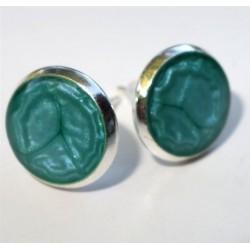 Boucles d'oreilles clou prisme couleur au choix et résine sur support métal argenté